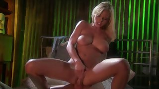 Fuck with Bree Olson is always amazing if you have moves like this guy