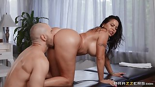 Muscular lad fucks big booty Latina mom in both holes