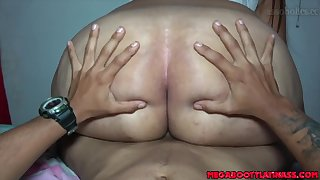 Chubby bitch shakes big ass while getting fucked
