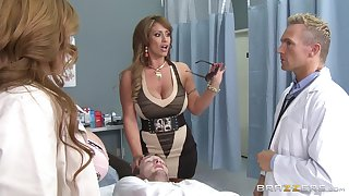 Eva Notty and Kianna Dior team up to be pleasured by one dude
