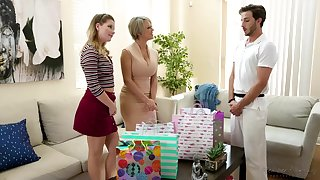 Dee Williams and Vienna Rose are having a threesome with their masseur and enjoying it a lot