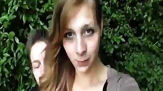Netter Teengirl reitet ihren Freund
